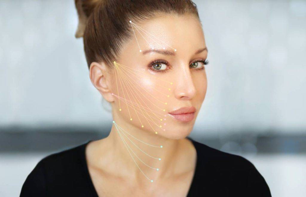 Facetite or facelift? Woman trying to decide which is better.